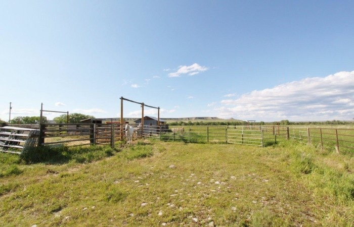 Horse Property For Rent in Simms MT